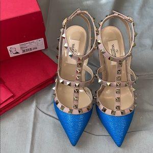 NIB Valentino Garavani Rockstud Blue heels 35  💙